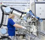 Image - First Robot to Work Hand in Hand with Employees at Volkswagen Plant